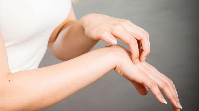 Behandlung juckreiz krätze nach immer noch Krätze: Ansteckung,