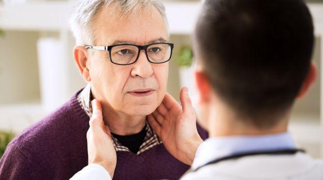 Hinterm ohr schmerzlos knubbel Lymphknotenschwellung hinter